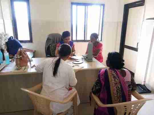 Dr. Nidhi Kalavadiya's profile on Curofy