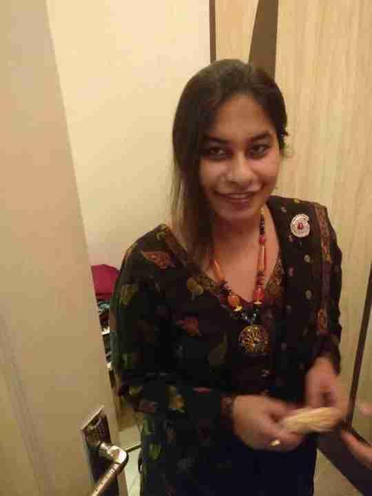 Dr. Rashi Saxena's profile on Curofy
