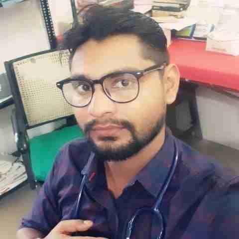 Dr. Rishabh Yadav's profile on Curofy