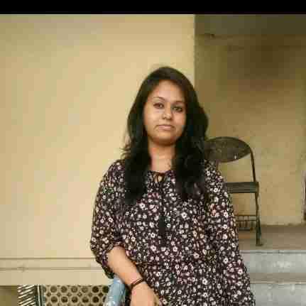 Nidhi Saxena's profile on Curofy