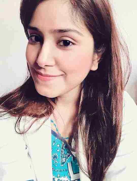 Sneha Singh's profile on Curofy