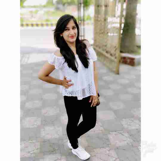 Diksha Sharma's profile on Curofy