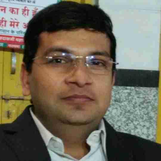 Dr. Narendra Tiwari (Pt)'s profile on Curofy
