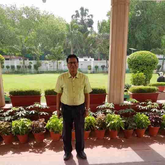 Dr. Parmeshwar Ojha's profile on Curofy