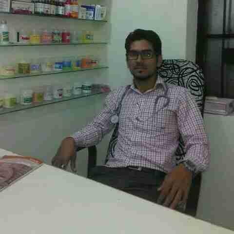 Dr. Ahsan Khan's profile on Curofy