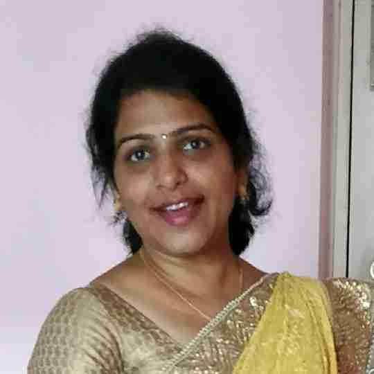 Dr. Chhavi Saxena's profile on Curofy