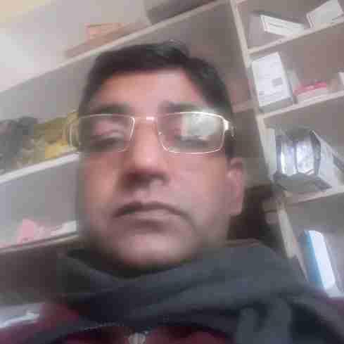 Dr. Dewarshi Sharma's profile on Curofy