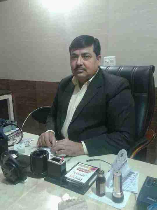 Dr. Pardeep Deora's profile on Curofy