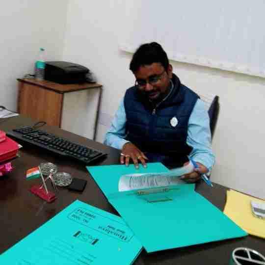 Dr. Amit Chaurasia's profile on Curofy