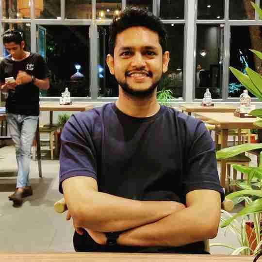 Dr. Sumit Shakya's profile on Curofy