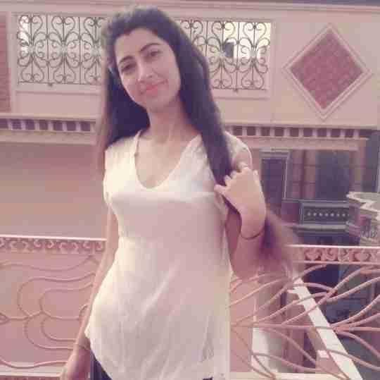 Neetika Sharma's profile on Curofy