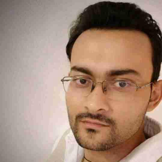 Dr. Ayush Tiwari's profile on Curofy