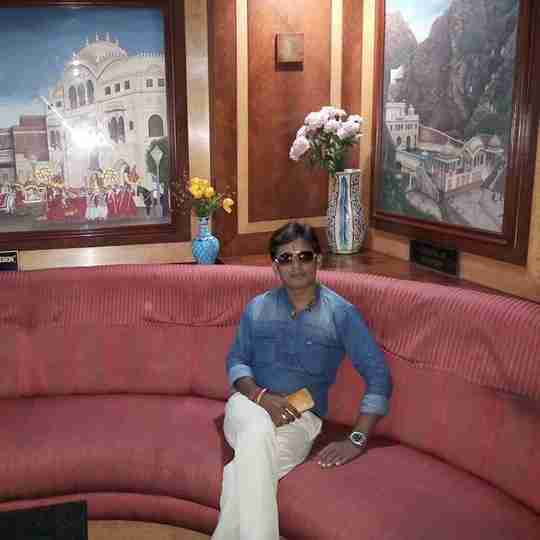 Hari Om Vashishtha's profile on Curofy