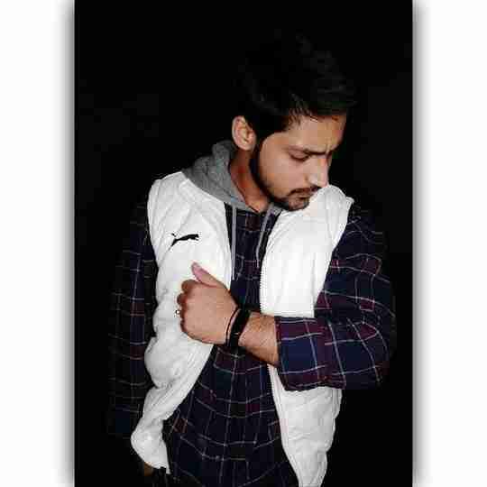 Aman Khan's profile on Curofy