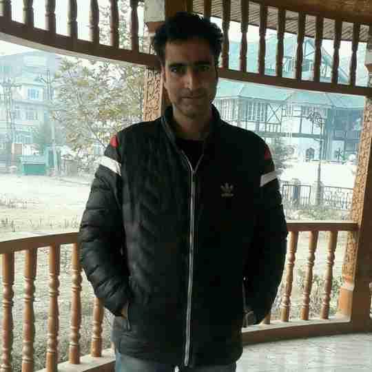 Dr. Kkhadim Hussain Dar's profile on Curofy