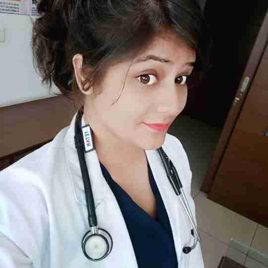 Dr. Pooja Thakur's profile on Curofy