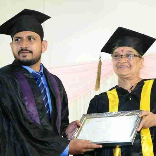 Dr. Renjish V's profile on Curofy