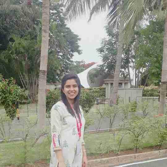 Dr. Himanshi Singh's profile on Curofy