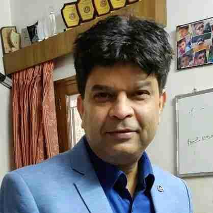 Dr. Sanjeev Pandey's profile on Curofy