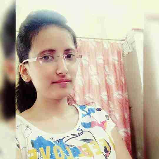 Dr. Akanksha Shukla's profile on Curofy