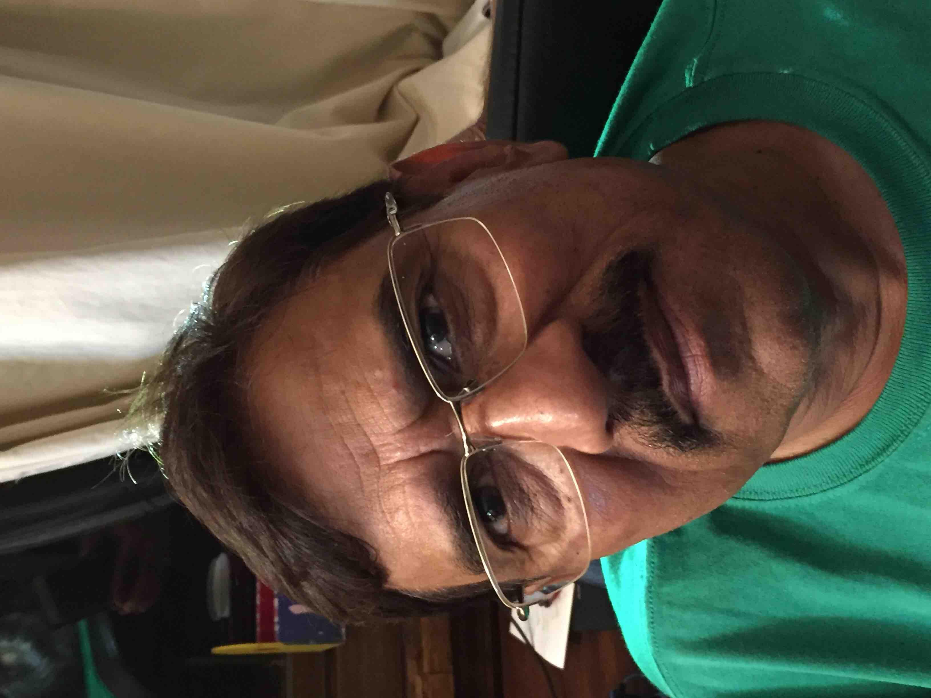 Dr. Dharmendra Gupta's profile on Curofy