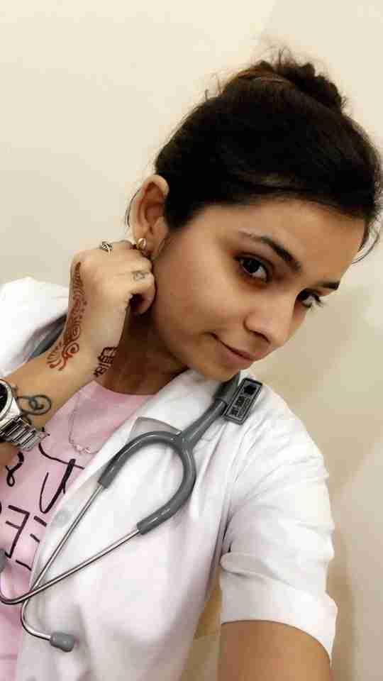Dr. Roshni Thakkar's profile on Curofy