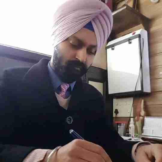 Dr. Amarinder Singh (Pt)'s profile on Curofy