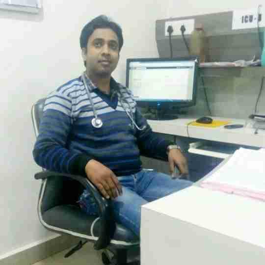 Dr. Dharmesh Thakur's profile on Curofy