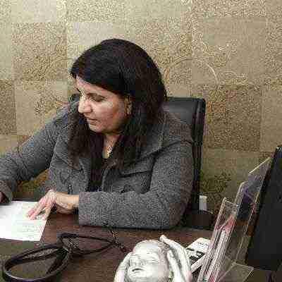 Dr. Priyamvada Tomar's profile on Curofy